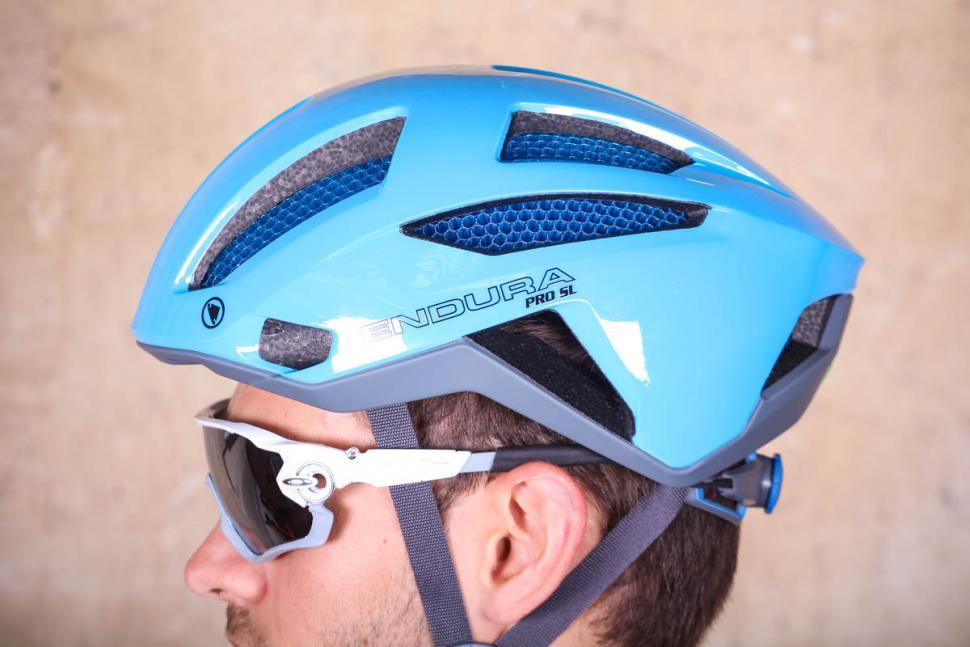endura_pro_sl_helmet_-_side_2.jpg