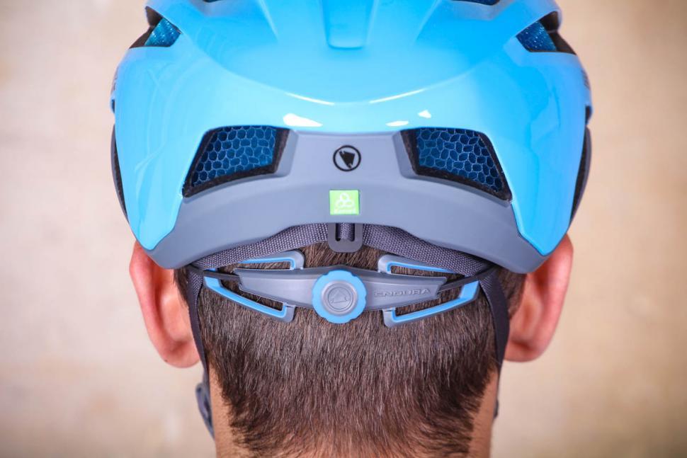 endura_pro_sl_helmet_-_tensions_system.jpg