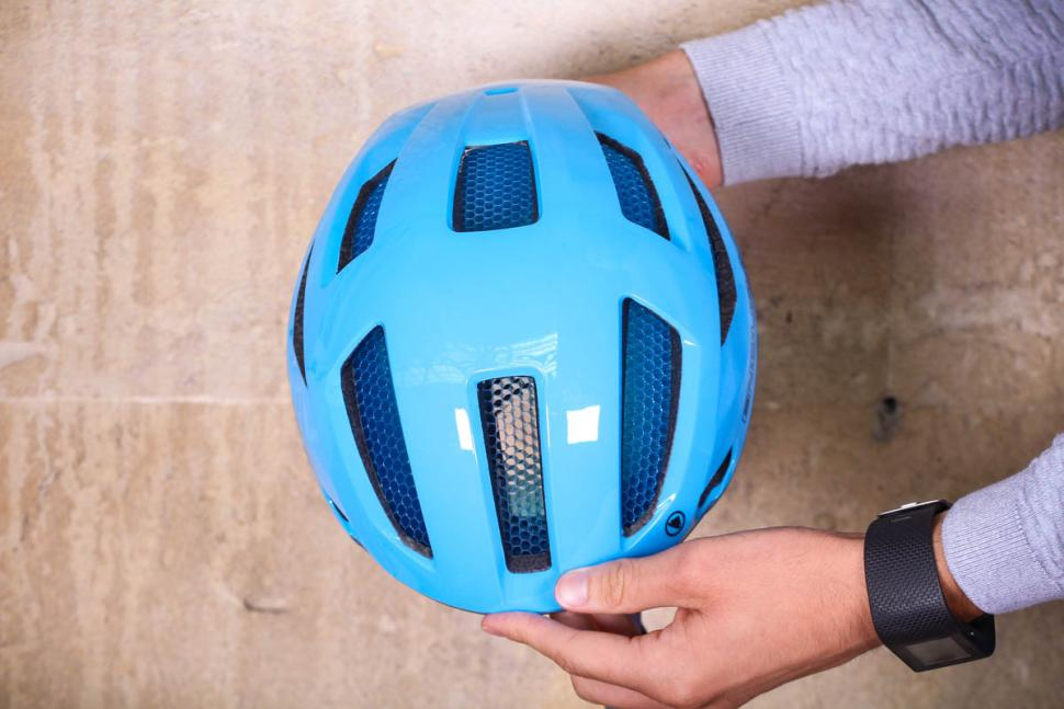 endura_pro_sl_helmet_-_top.jpg