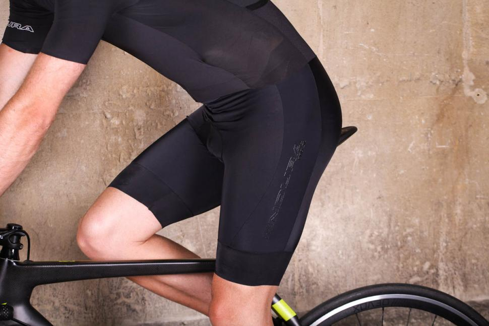endura_pro_sl_roadsuit_mp_-_riding_short.jpg