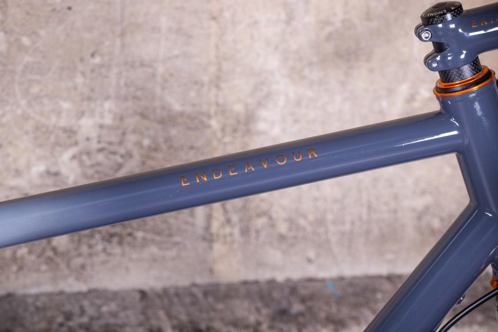 Enigma Endeavour - top tube.jpg