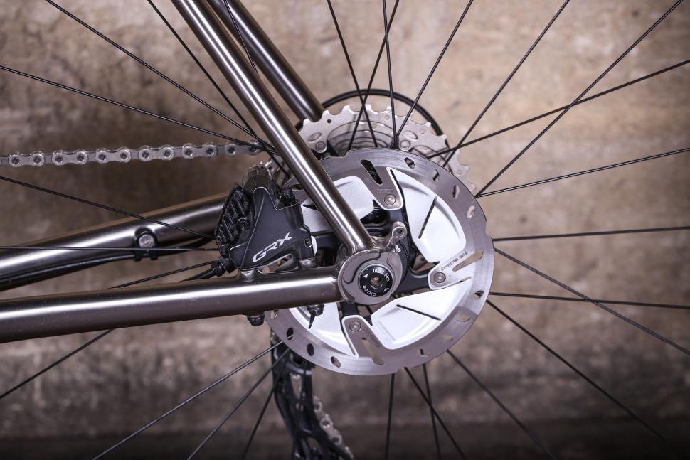 Enigma Escape - rear disc brake.jpg