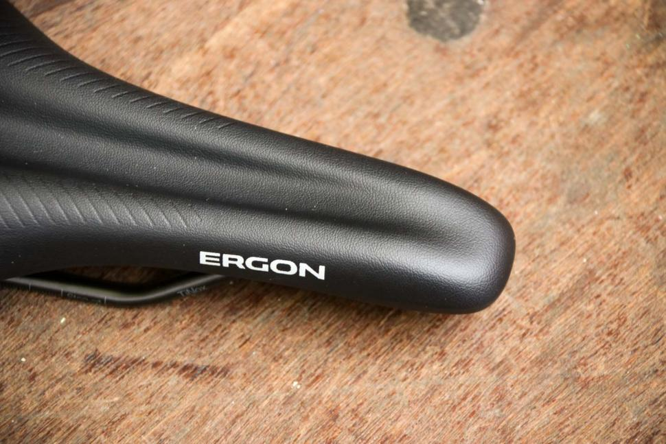 Ergon SR Comp Men saddle - nose.jpg