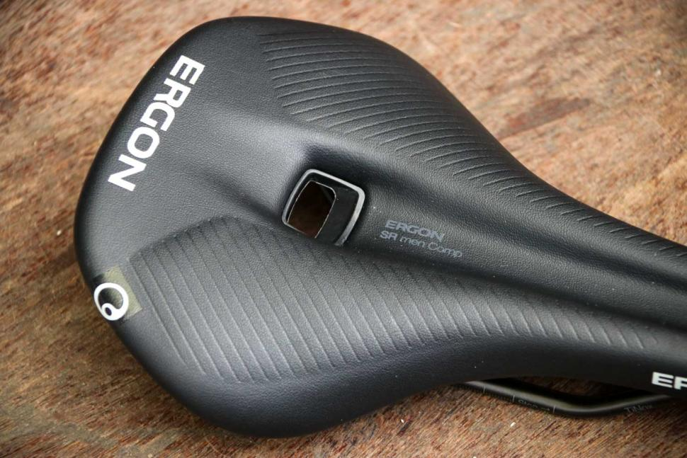 Ergon SR Comp Men saddle - top detail.jpg