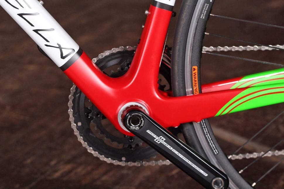 Estrella Camino Liso - bottom bracket.jpg