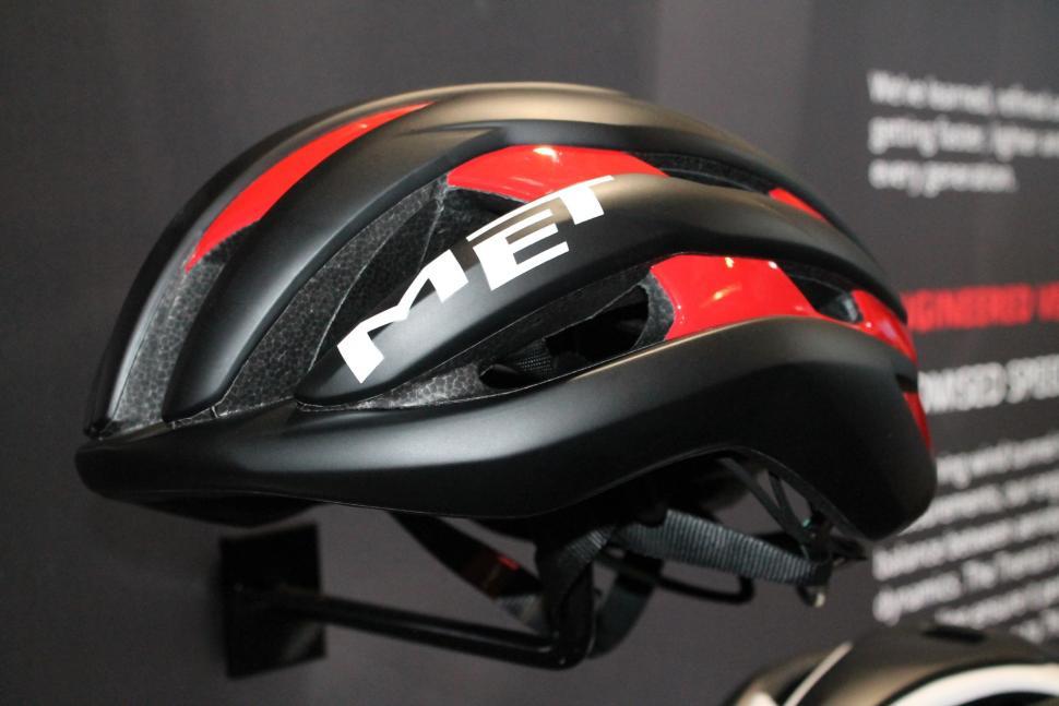 Eurobike 2017 Met Trenta helmet black:red- 1.jpg