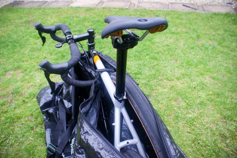 evoc_bike_cover_6.jpg
