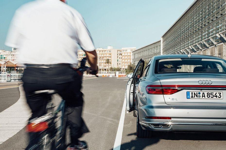 Exit warning system 1 (Audi).jpg
