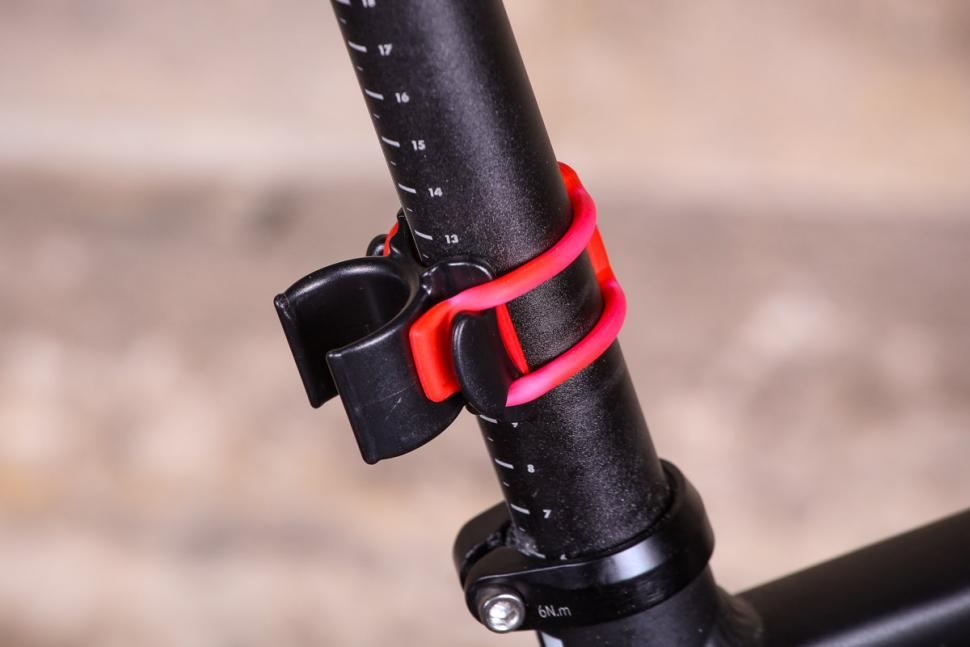Exposure Blaze Reakt Highpower rear light - bracket.jpg