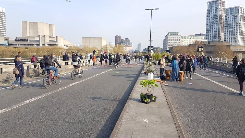 Extinction Rebellion Garden Bridge 2 (picture credit Caspar Hughes)