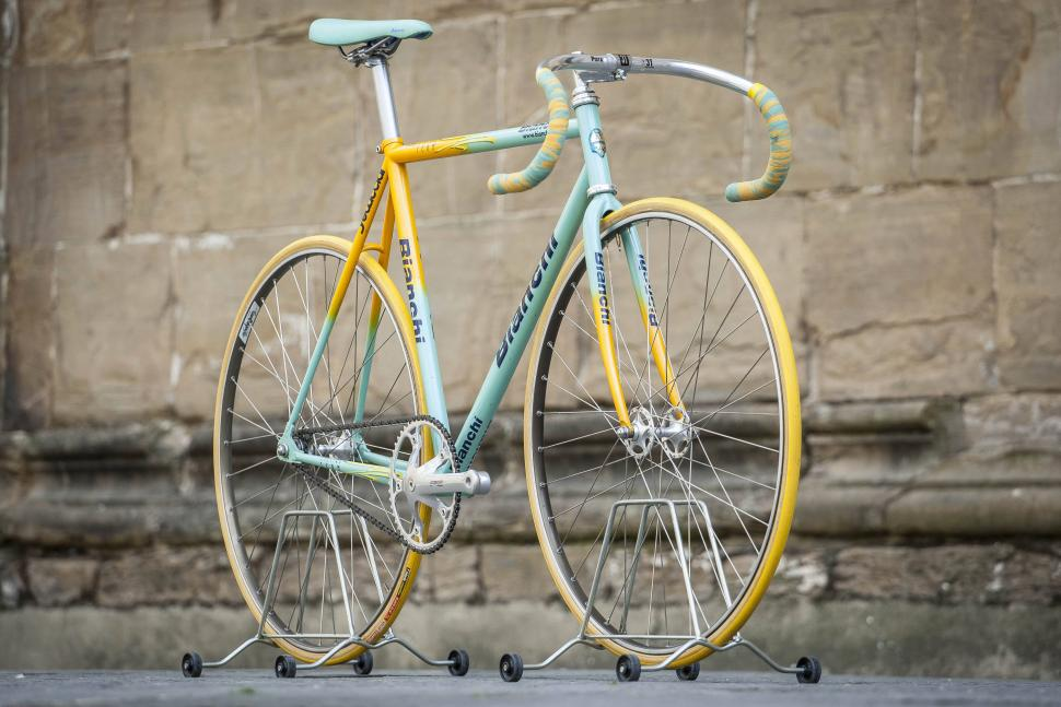 Gorgeous and rare Bianchi Pista given to team mate of Marco Pantani up for  sale on eBay – but at a price (+ photo gallery) 1f07f0e3b