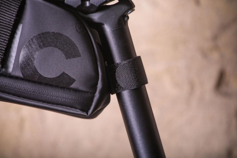 Fabric Contain Large Saddle Bag - seatpost fastening.jpg