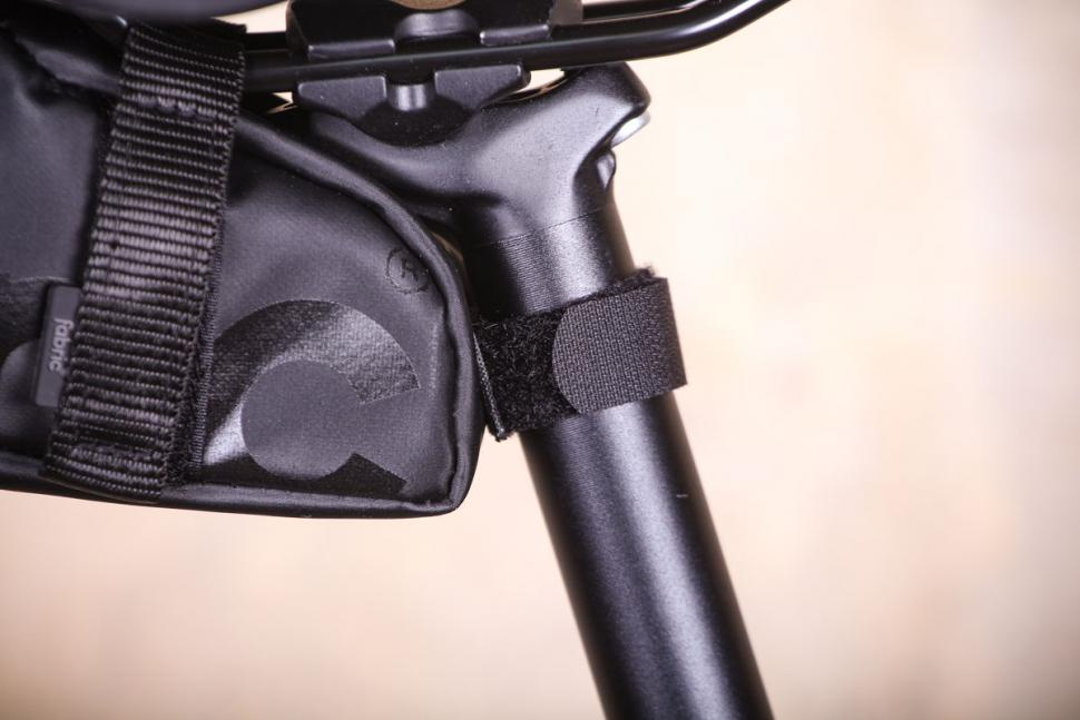 Fabric Contain Small Saddle Bag - seat post fastening.jpg