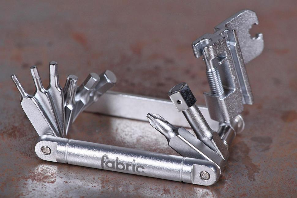 Fabric Sixteen Tool 16 function multi-tool - open.jpg