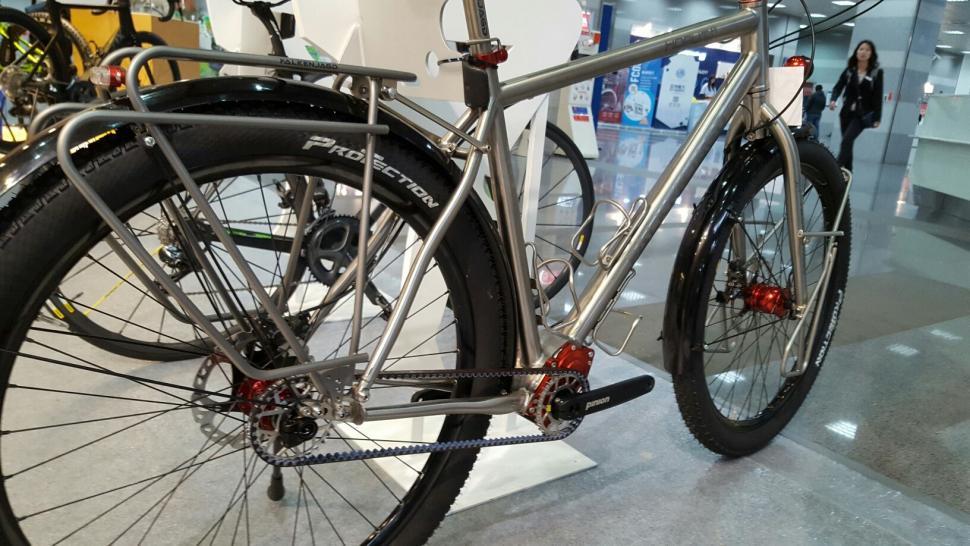 Falkenjagd Hoplit Pinion titanium touring bike 11.jpg
