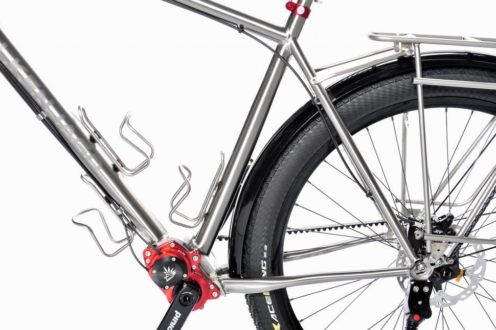 Falkenjagd Hoplit Pinion titanium touring bike 3.jpg