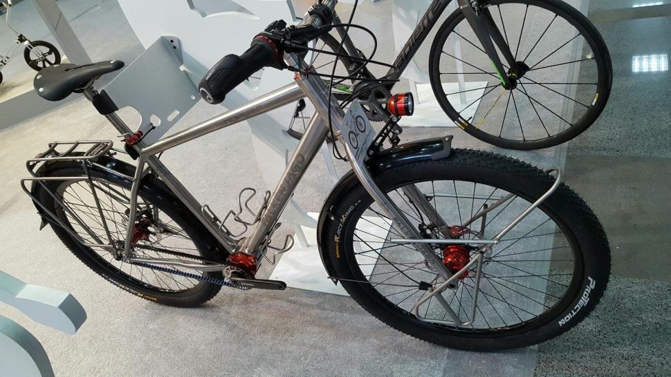Falkenjagd Hoplit Pinion titanium touring bike 9.jpg