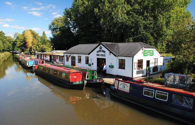 Farncombe Boat House (licensed CC BY 2.0 by Mark on Flickr)