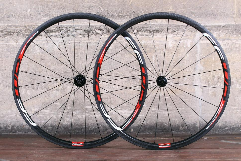 Fast Foward F3R Full Carbon Clincher Wheelset.jpg