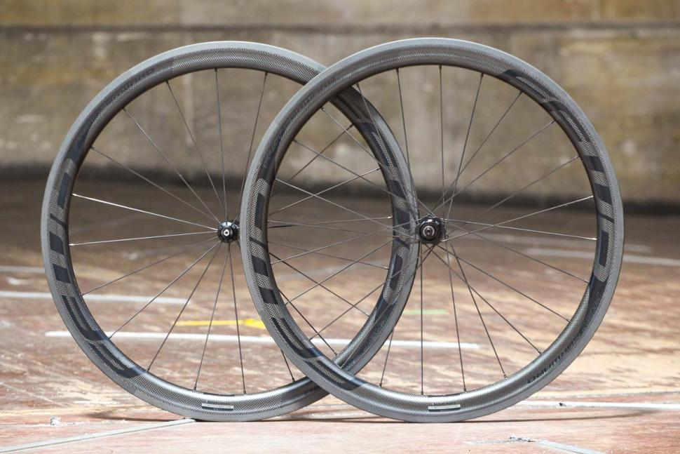 fast_forward_f4r_full_carbon_clincher_tubeless_pair.jpg