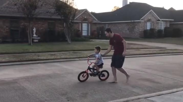 FAther teaching kid to ride - soiurce Reddit.PNG