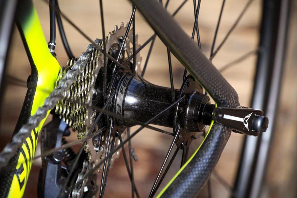 felt_ar4_-_rear_hub.jpg