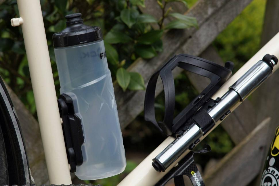Fidlock Bottle Twist - In situ.jpg
