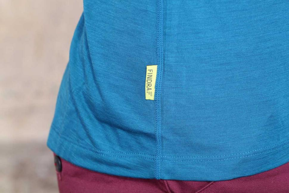 Findra Iona Merino-Lite Zip Neck Top - label.jpg