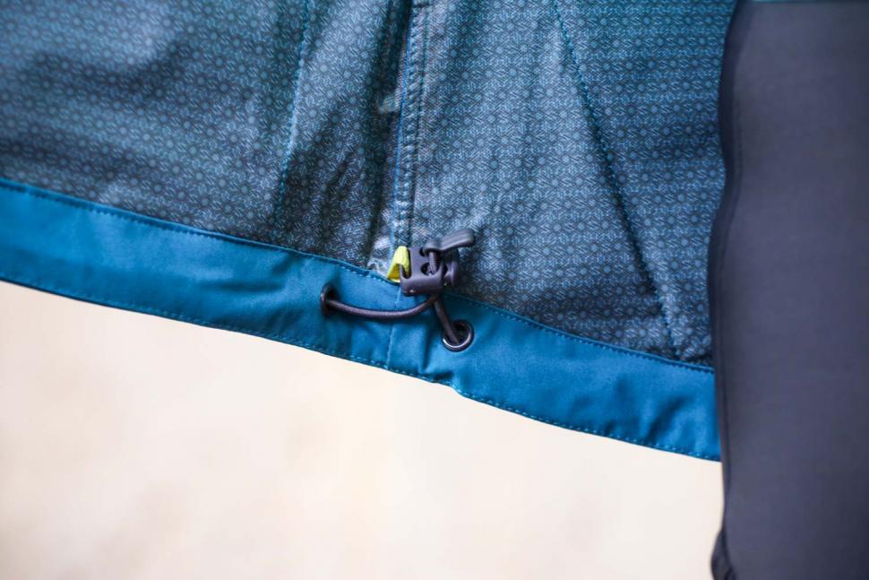 Findra Stroma Technical Jacket - adjuster.jpg