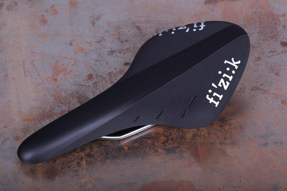 Fizik Arione R3 Large Road Saddle.jpg