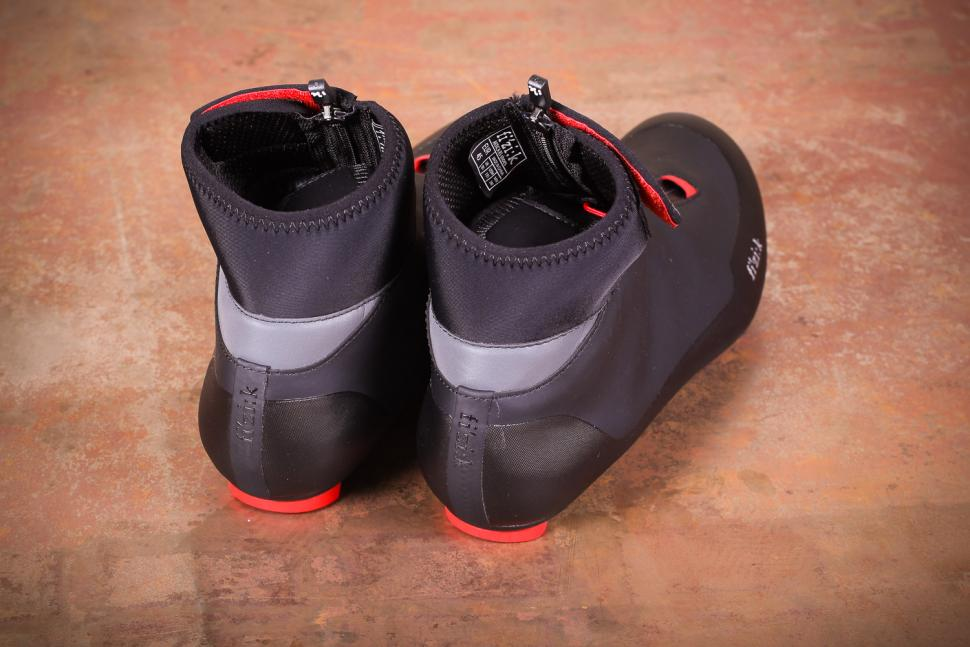 Fizik Artica R5 Road Shoes - heels.jpg