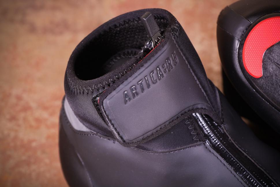 Fizik Artica R5 Road Shoes - velcro.jpg