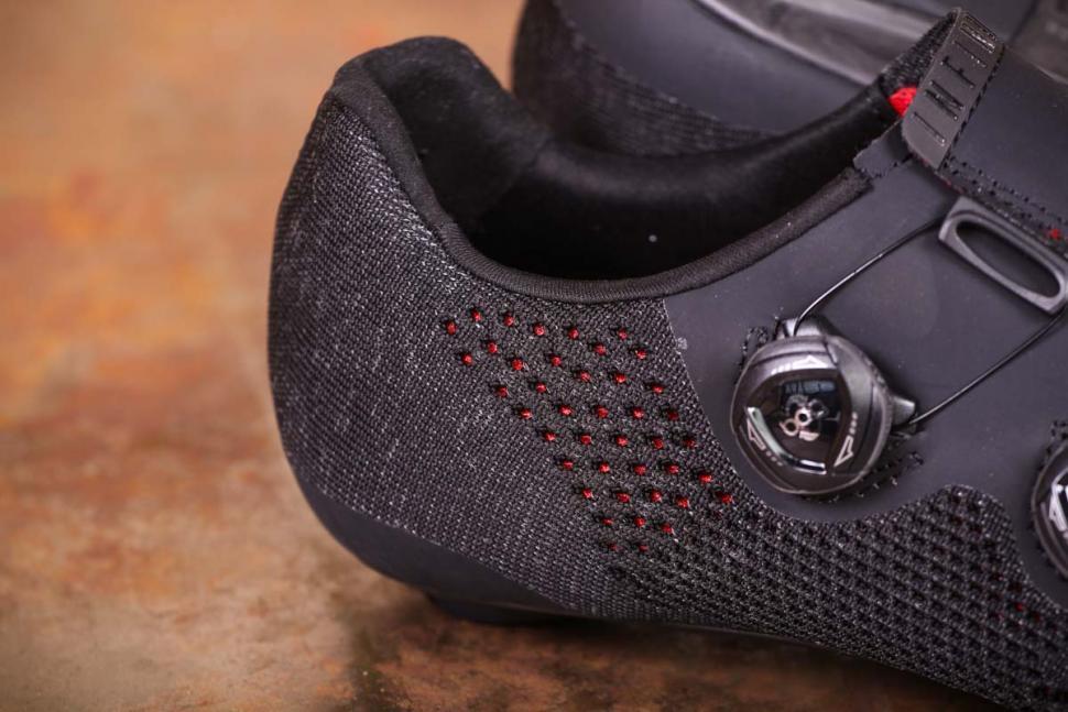 Fizik R1 Knit shoes - rear.jpg