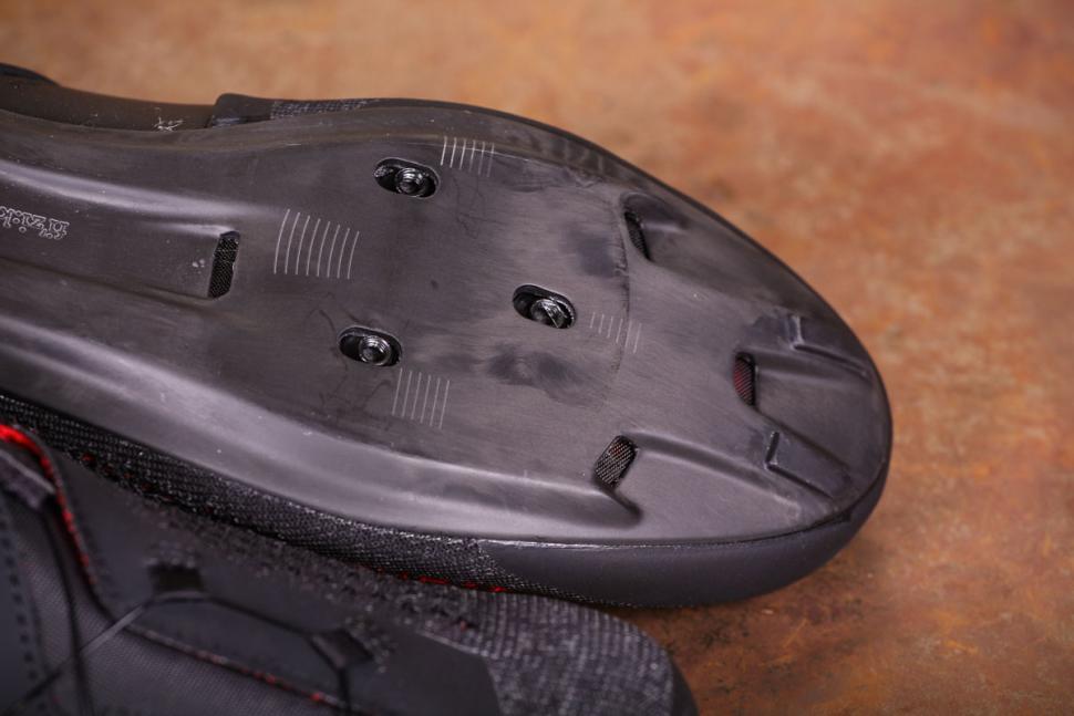 Fizik R1 Knit shoes - sole toe.jpg