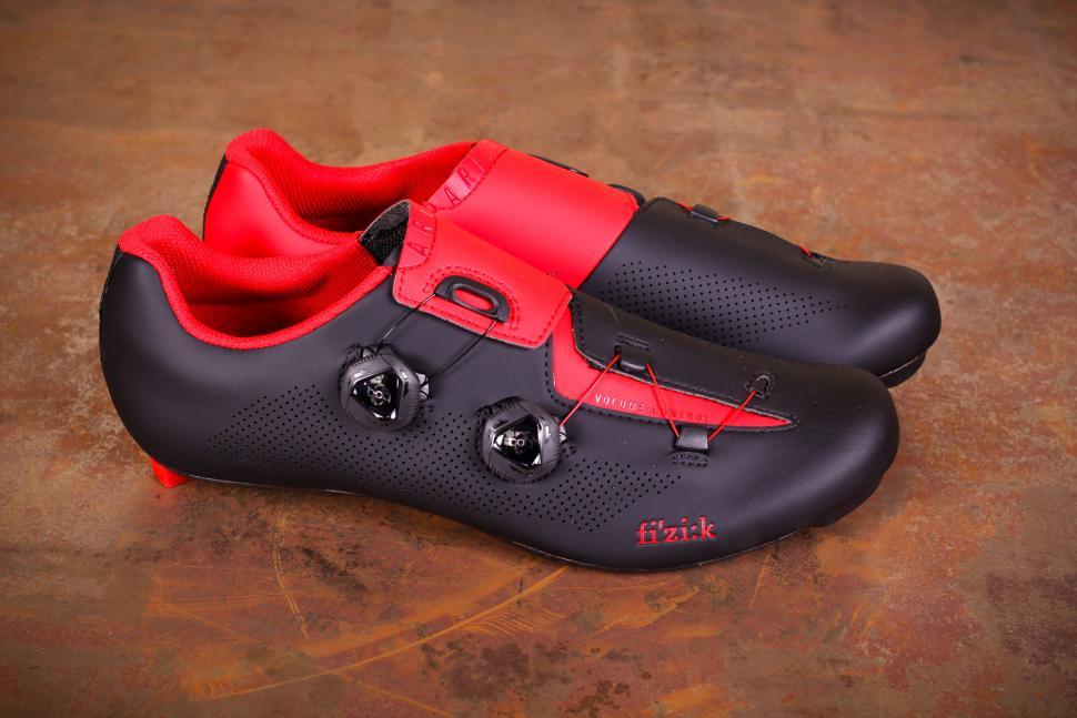 5a20debbe6f Fizik R3 Aria shoes - side.jpg