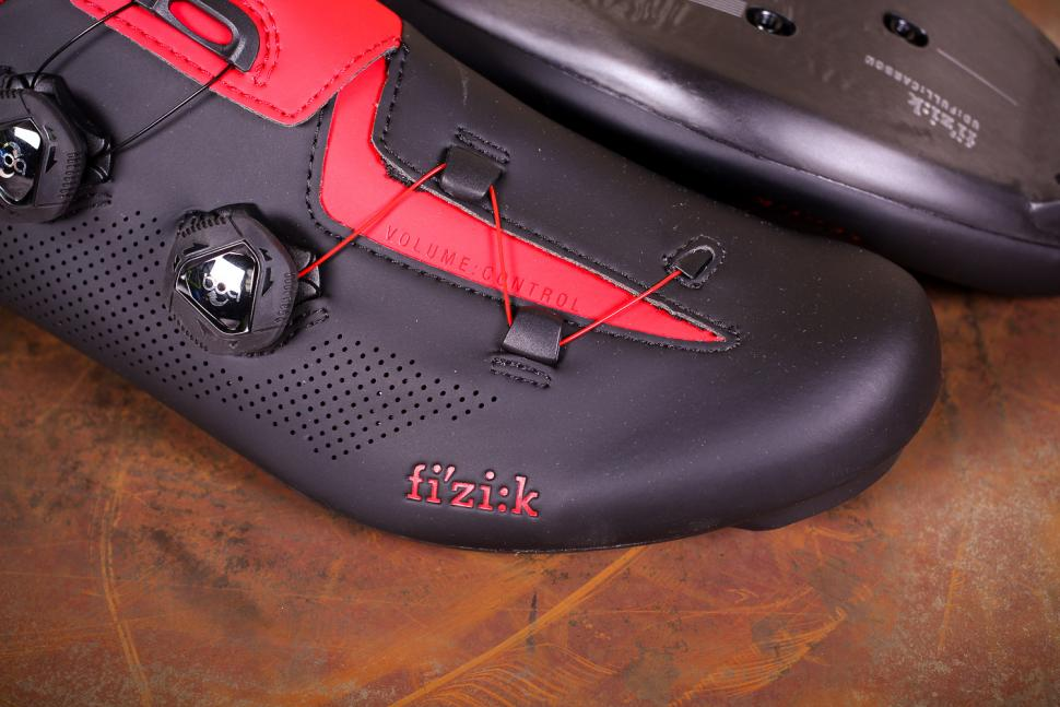 Fizik R3 Aria shoes - toe.jpg