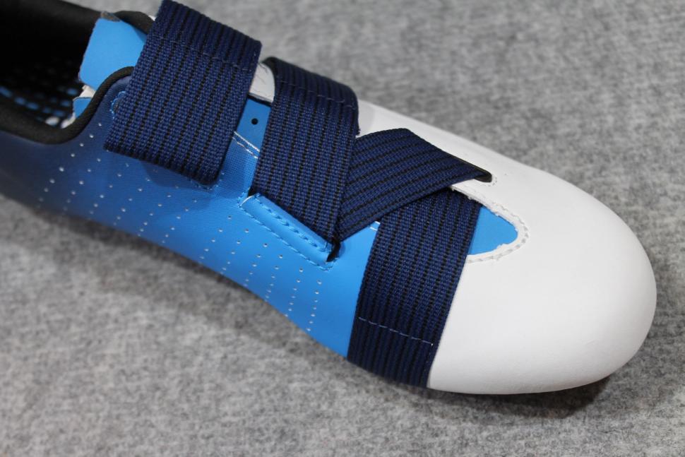 Fizik Tempo Powerstrap R1 shoes - 5.jpg