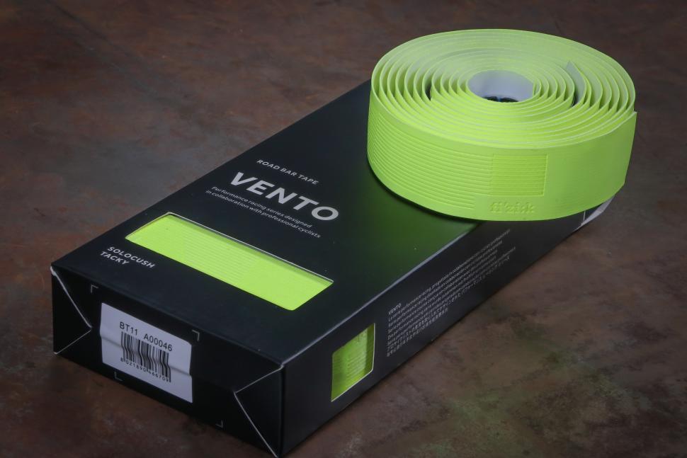 Fizik Vento Solocush Tacky Road Bike Handlebar Tape Pink