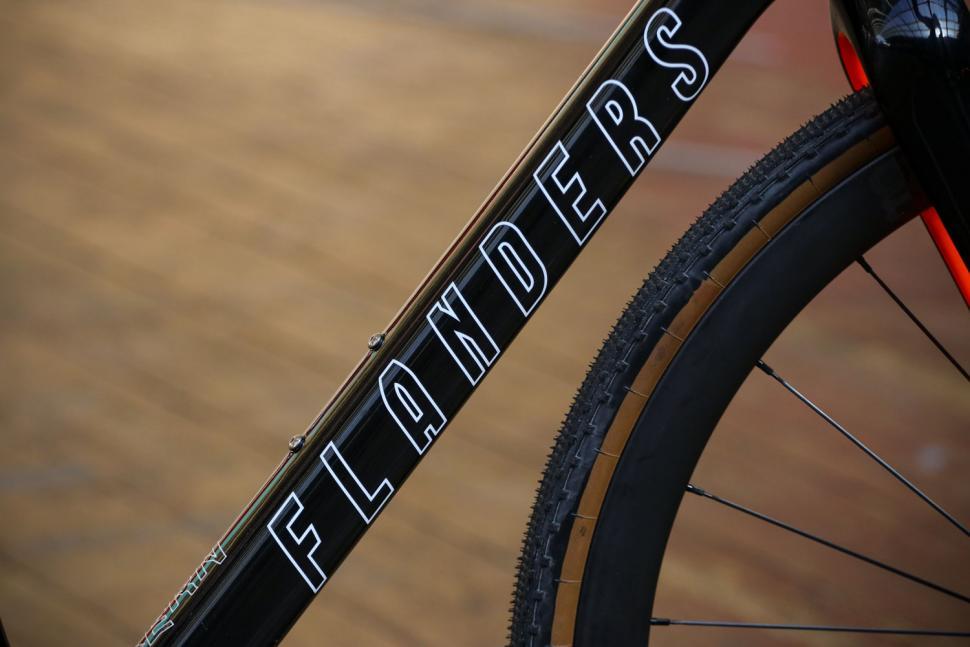 Flanders Forte frameset - down tube.jpg