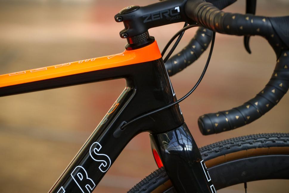 Flanders Forte frameset - head tube.jpg