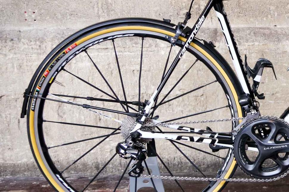 flinger_race_pro_clip_mudguard_rear.jpg