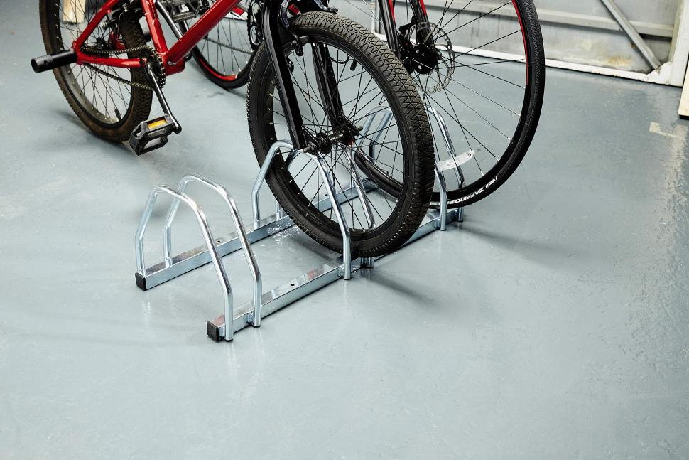 Floor Bike Stand 01.jpg