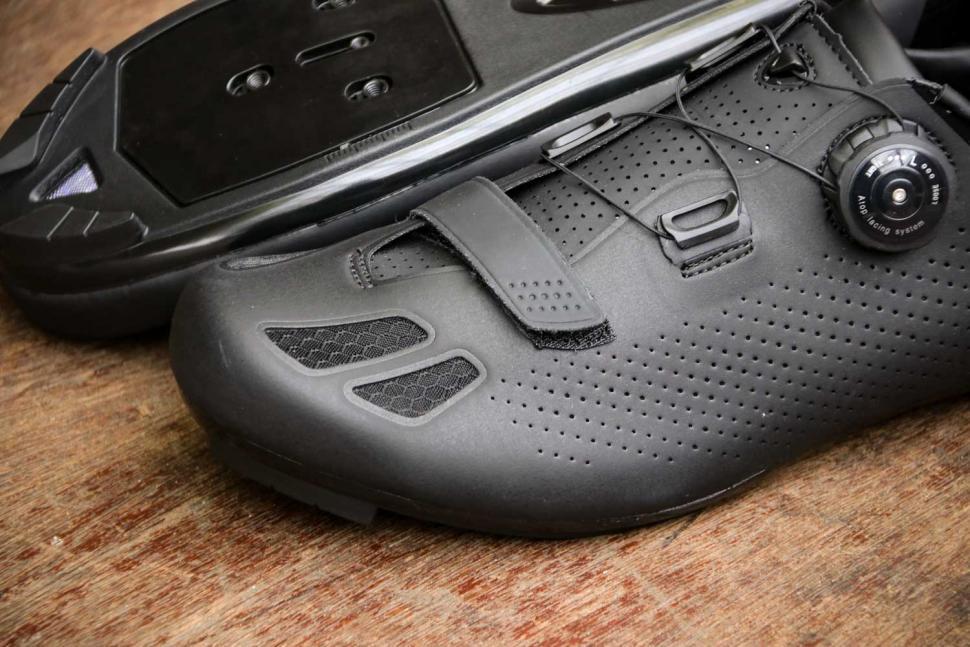 FLR F-11 Pro Road Race Shoe in Black - toe.jpg