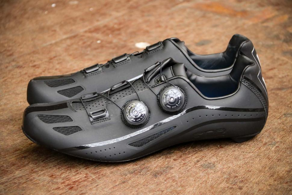 FLR F-XX Strawweight Road Race Full Carbon Sole Shoe in Black - side.jpg