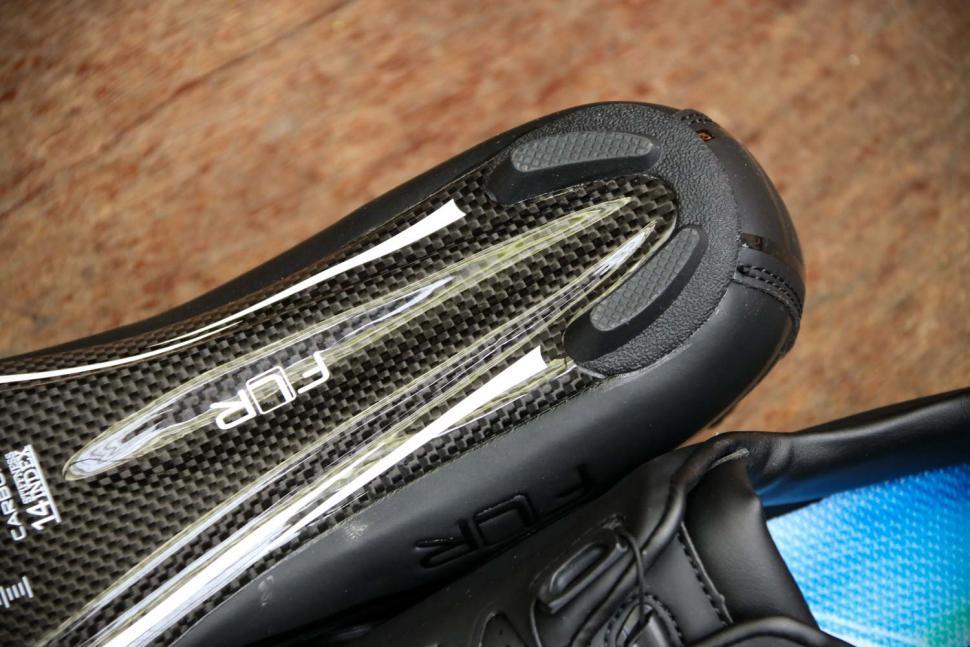 FLR F-XX Strawweight Road Race Full Carbon Sole Shoe in Black - sole heel.jpg