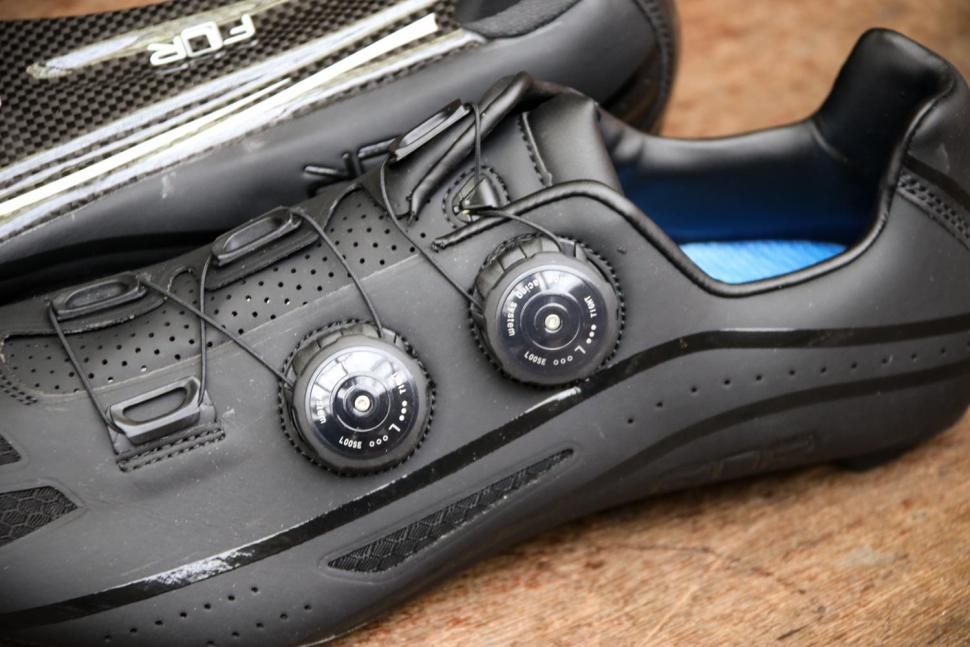 FLR F-XX Strawweight Road Race Full Carbon Sole Shoe in Black - tensions system.jpg