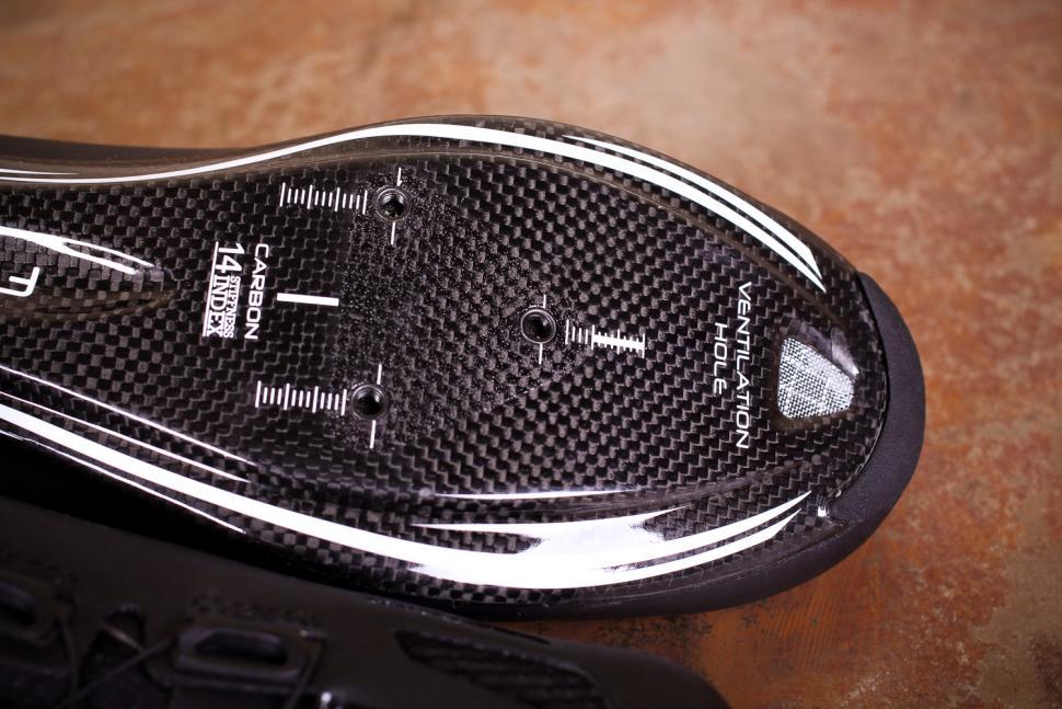 FLR F-XX.II Strawweight Road Race Full Carbon Sole Shoe - sole toe.jpg