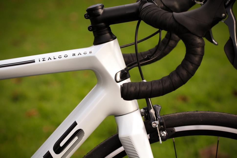 Focus Izalco Race - head tube.jpg