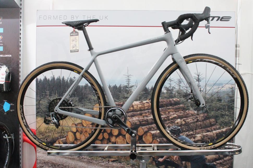 Form Monsal road adventure bike  - 1.jpg