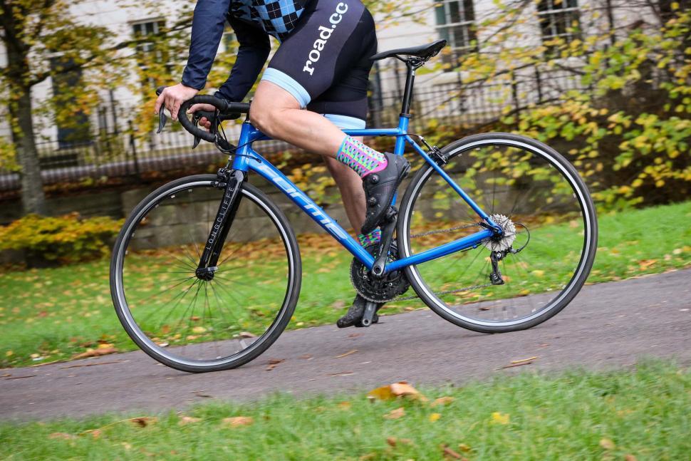 Forme Longcliffe 2 - riding 2.jpg